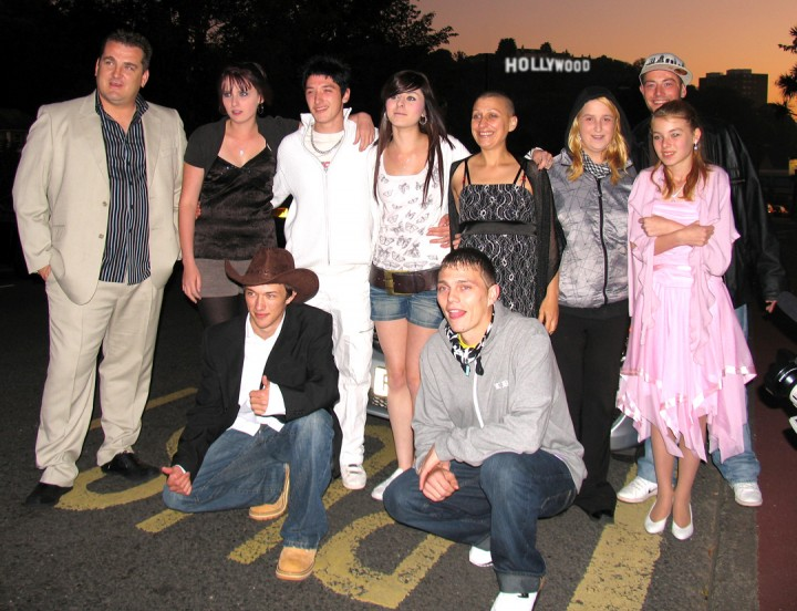 Movie Tag-Line cast Premier